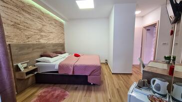 Daruvar, Slaapkamer in the room, air condition available en WiFi.