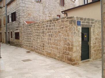 Stari Grad, Hvar, Объект 18850 - Апартаменты вблизи моря с галечным пляжем.