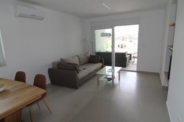 Stara Novalja, Obývací pokoj v ubytování typu apartment, s klimatizací, domácí mazlíčci povoleni a WiFi.
