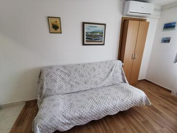 Novi Vinodolski, Living room in the apartment, air condition available and WiFi.