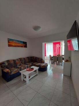 Gradac, Obývací pokoj v ubytování typu apartment, s klimatizací, domácí mazlíčci povoleni a WiFi.
