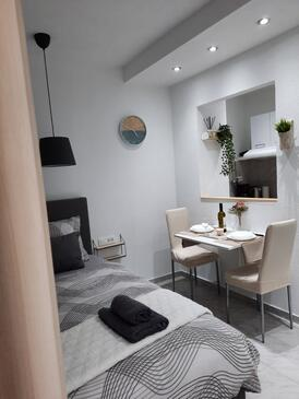 Selce, Jídelna v ubytování typu studio-apartment, WiFi.