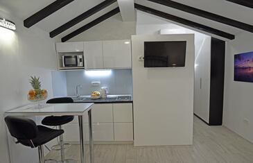 Split, Kitchen in the studio-apartment, WiFi.