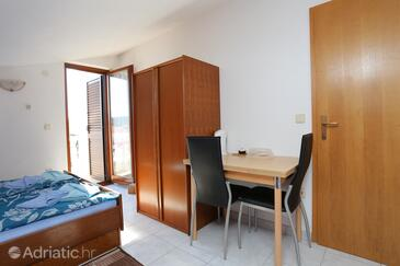 Bušinci, Столовая в размещении типа studio-apartment, WiFi.