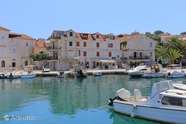 Trogir, Trogir, Property 18953 - Apartments near sea with pebble beach.