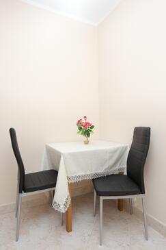 Mastrinka, Salle à manger dans l'hébergement en type apartment, animaux acceptés et WiFi.