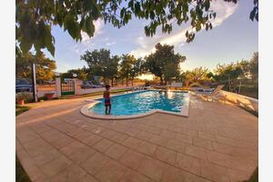 Family friendly apartments with a swimming pool Lozovac, Krka - 18961