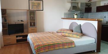 Novi Vinodolski, Гостиная в размещении типа apartment, доступный кондиционер, Домашние животные допускаются и WiFi.