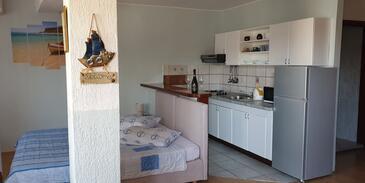 Novi Vinodolski, Кухня в размещении типа studio-apartment, Домашние животные допускаются и WiFi.