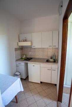 Pakoštane, Cuisine dans l'hébergement en type studio-apartment.
