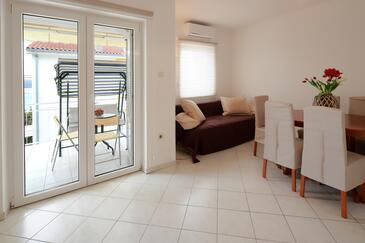 Dramalj, Гостиная в размещении типа apartment, доступный кондиционер и WiFi.