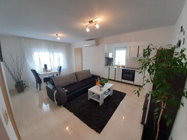 Ražine, Nappali szállásegység típusa apartment, légkondicionálás elérhető és WiFi .
