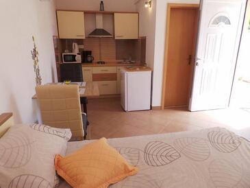 Seget Vranjica, Столовая в размещении типа studio-apartment, WiFi.