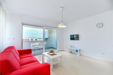 Privlaka, Obývací pokoj v ubytování typu apartment, s klimatizací a WiFi.