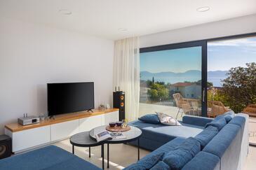 Zaostrog, Obývací pokoj v ubytování typu house, s klimatizací, domácí mazlíčci povoleni a WiFi.