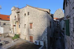 Apartments with a parking space Omiš - 19051
