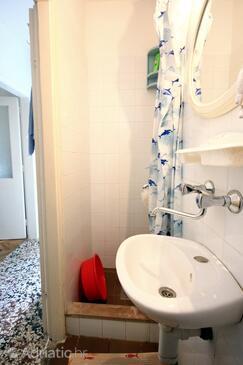 Bathroom    - K-192