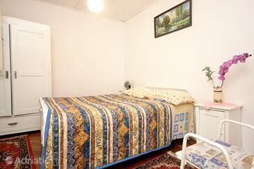 Bedroom    - K-192