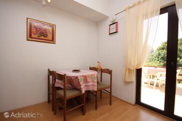 Supetarska Draga - Gonar, Dining room in the apartment, WIFI.
