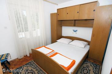 Banjol, Ložnice v ubytování typu room, s klimatizací, domácí mazlíčci povoleni a WiFi.