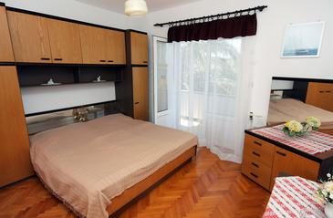 Barbat, Bedroom in the room, dopusteni kucni ljubimci i WIFI.