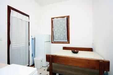 Barbat, Jadalnia w zakwaterowaniu typu apartment.