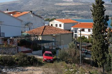 Arbanija, Čiovo, Property 2031 - Apartments by the sea.