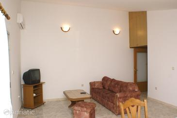 Seget Donji, Living room in the apartment, air condition available and WiFi.