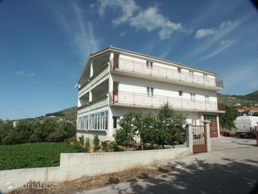 Seget Donji, Trogir, Property 2041 - Apartments near sea with pebble beach.