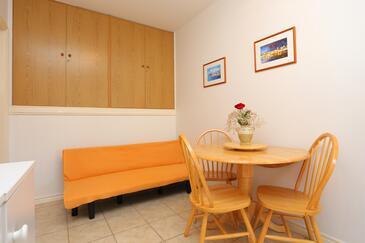 Mastrinka, Jedáleň v ubytovacej jednotke apartment, WiFi.