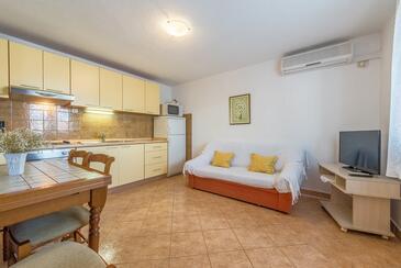 Mastrinka, Jídelna v ubytování typu apartment, s klimatizací, domácí mazlíčci povoleni a WiFi.