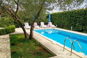 Ferienwohnungen mit Pool Mavarstica, Ciovo - 2053