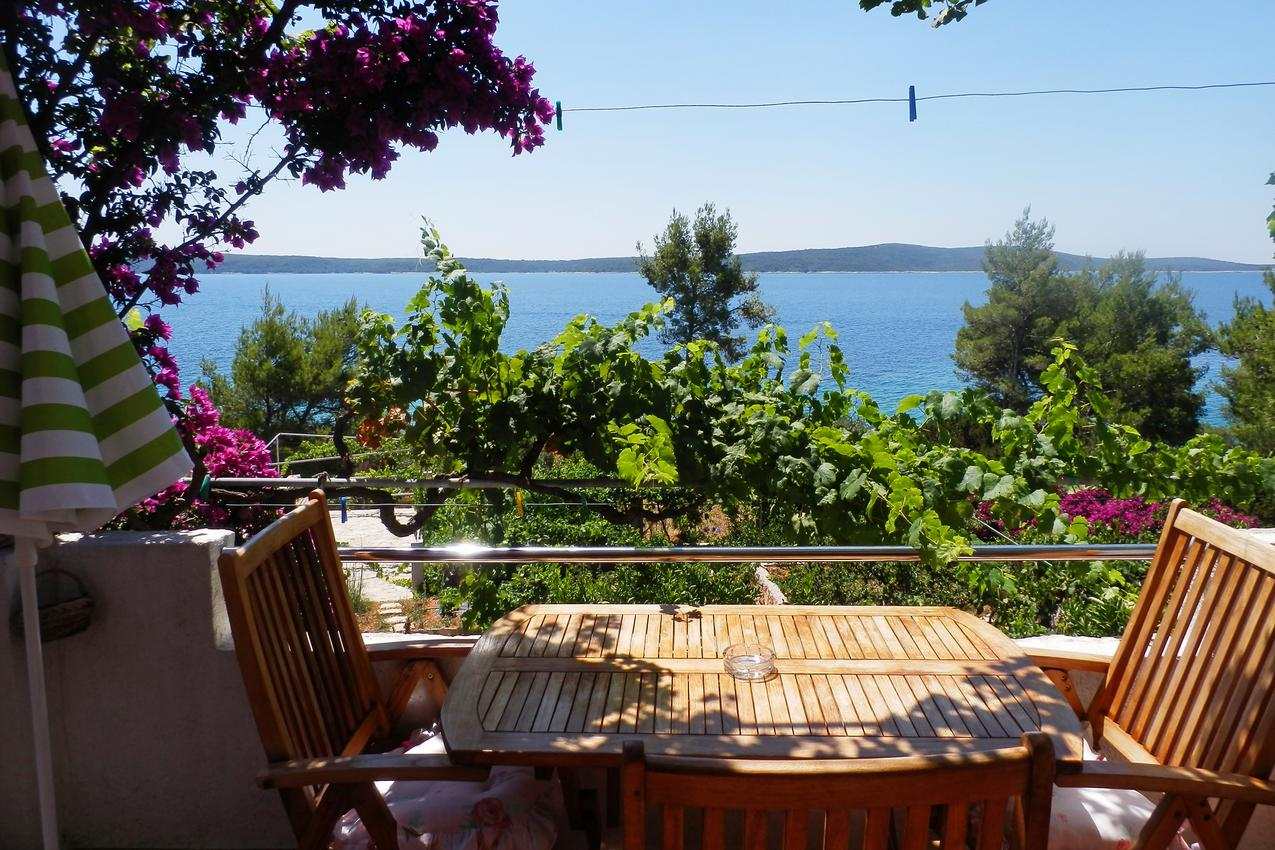 Holiday apartment im Ort Zavala (Hvar), Kapazität 2+1 (1012895), Zavala, Island of Hvar, Dalmatia, Croatia, picture 6
