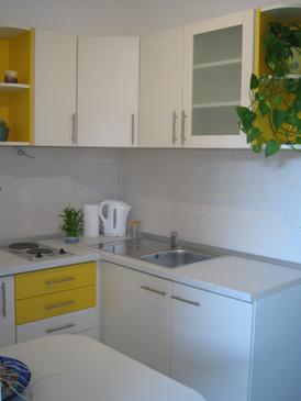 Hvar, Kitchen in the apartment.