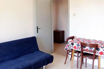 Uvala Zaraće, Dining room in the apartment, dopusteni kucni ljubimci.