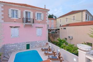 Seaside apartments with a swimming pool Jelsa (Hvar) - 2067