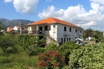 Jelsa, Hvar, Property 2068 - Apartments with pebble beach.
