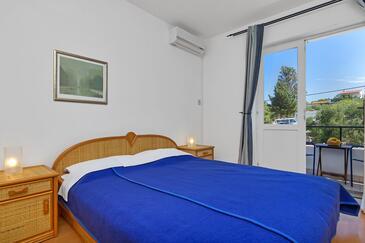 Pokrivenik, Спальня в размещении типа room, доступный кондиционер, Домашние животные допускаются и WiFi.