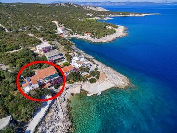 Pokrivenik, Hvar, Объект 2073 - Апартаменты вблизи моря с галечным пляжем.