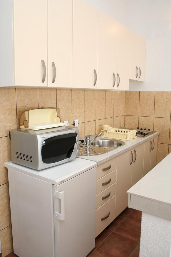 Holiday apartment im Ort Basina (Hvar), Kapazität 2+2 (1880056), Vrbanj, Island of Hvar, Dalmatia, Croatia, picture 3