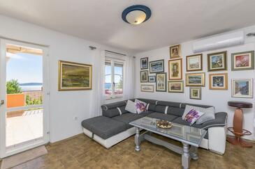 Rastići, Obývací pokoj v ubytování typu apartment, s klimatizací a WiFi.