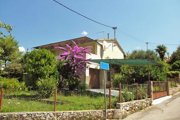 Okrug Gornji, Čiovo, Property 2083 - Apartments near sea with pebble beach.