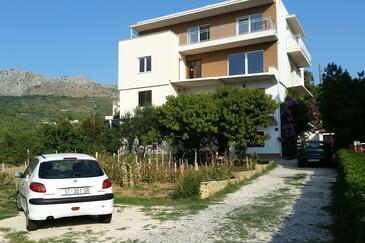 Podstrana, Split, Obiekt 2087 - Apartamenty przy morzu ze żwirową plażą.