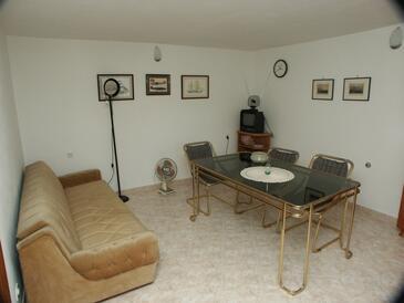Mavarštica, Sufragerie în unitate de cazare tip apartment, aer condiționat disponibil şi WiFi.