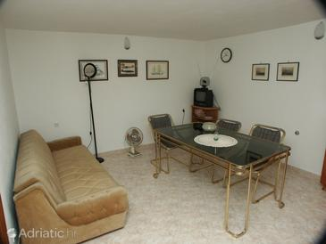 Mavarštica, Jídelna v ubytování typu apartment, s klimatizací a WiFi.