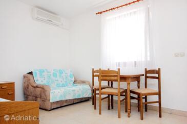 Zaton Veliki, Столовая в размещении типа studio-apartment, доступный кондиционер, Домашние животные допускаются и WiFi.