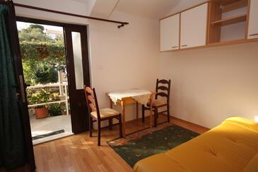 Zaton Veliki, Dining room in the apartment, WIFI.