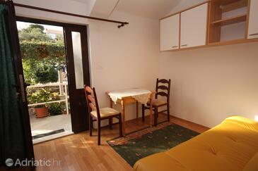 Zaton Veliki, Dining room in the apartment.
