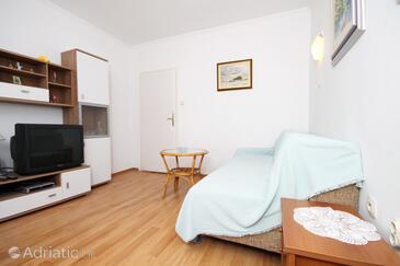 Novalja, Living room in the apartment, dostupna klima i WIFI.