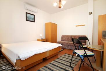 Molunat, Bedroom in the room, dostupna klima i WIFI.